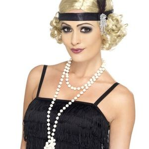 Flapper 💃 pearl necklace and clip on earrings
